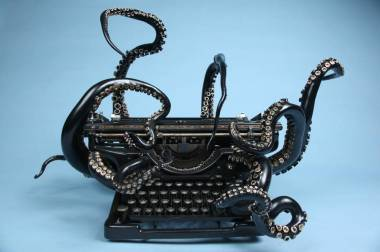 octopustypewriter-1-900x599